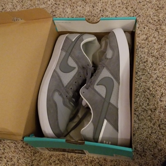 Nike SB Delta Force Vulcan Sneakers